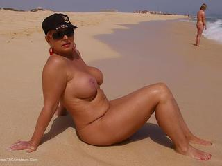 NudeChrissy - Holiday in fuerteventura Gallery