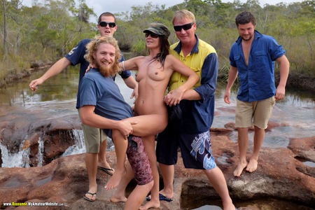 Roxeanne - Out with the boys Gallery