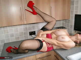 Sugarbabe - In The Kitchen Gallery