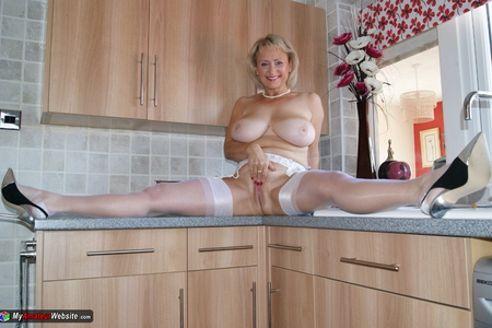 Sugarbabe - Pussy Pie In The Kitchen Gallery