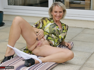 Sugarbabe - Fill My Mouth Full Of Spunk HD Video