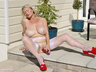 Sugarbabe - Outdoor Sex