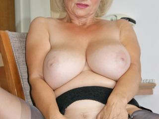 Sugarbabe - Bedroom Slut