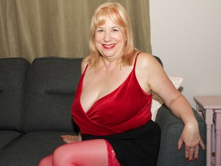 TrishasDiary - Lounge Strip Gallery