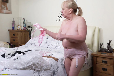 TrishasDiary - Getting Dressed HD Video